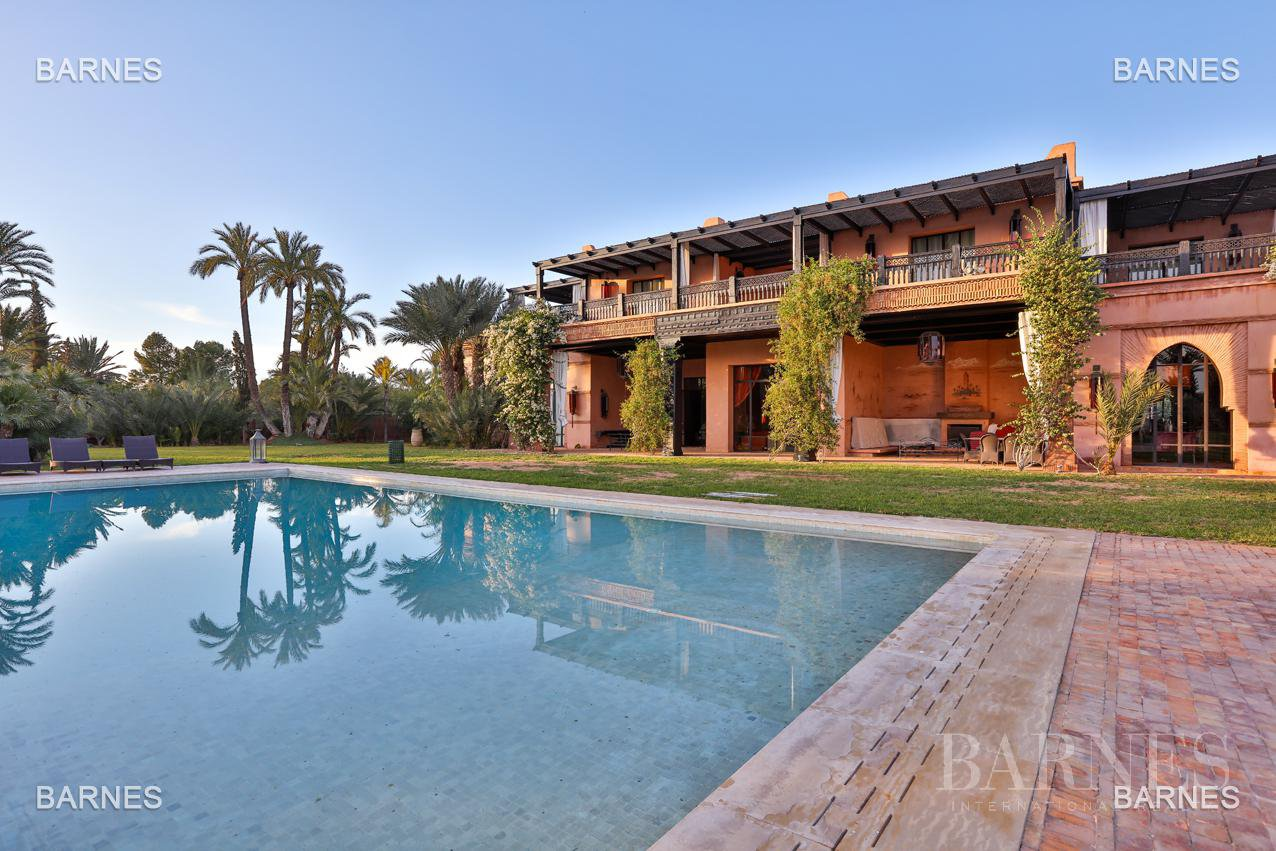great inspiration Moroccan and European comfort property , nestled in a beautiful 1 hectare to 10 minutes from downtown Park. picture 1