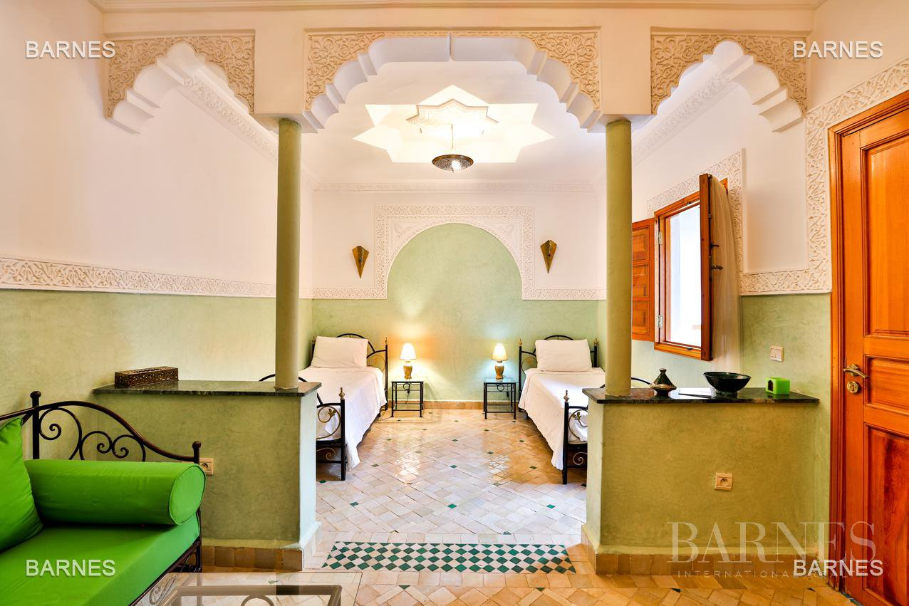 Riad , 6 suites, 6 baths, living room, fireplace , dining room , large pool , jacuzzi , patio, terrace, elevator. picture 5