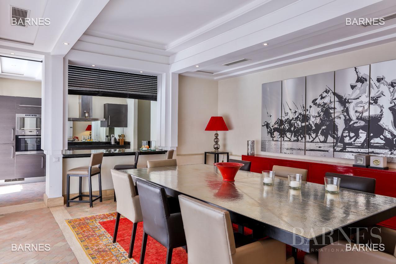 Située entre Medina et Ville nouvelle , superbe villa type Ryad dans un Hotel 5 étoiles . picture 8