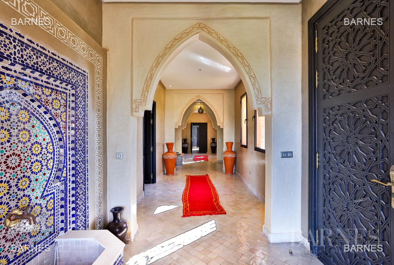 Charming Moroccan villa with unobstructed views of the Atlas Mountains picture 5