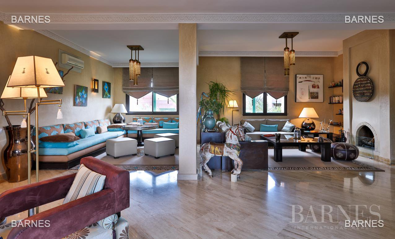Luxury apartment with pool and gym picture 5