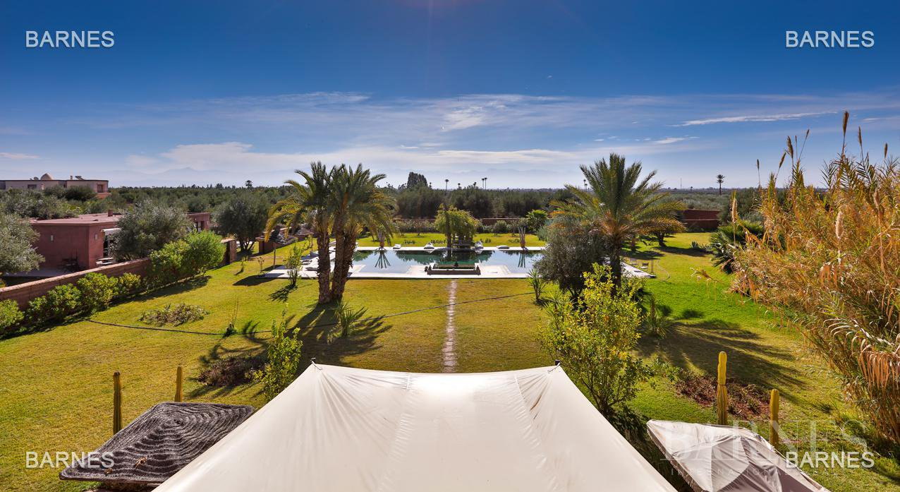 Luxurious contemporary villa located 15 minutes from downtown towards Fez picture 8