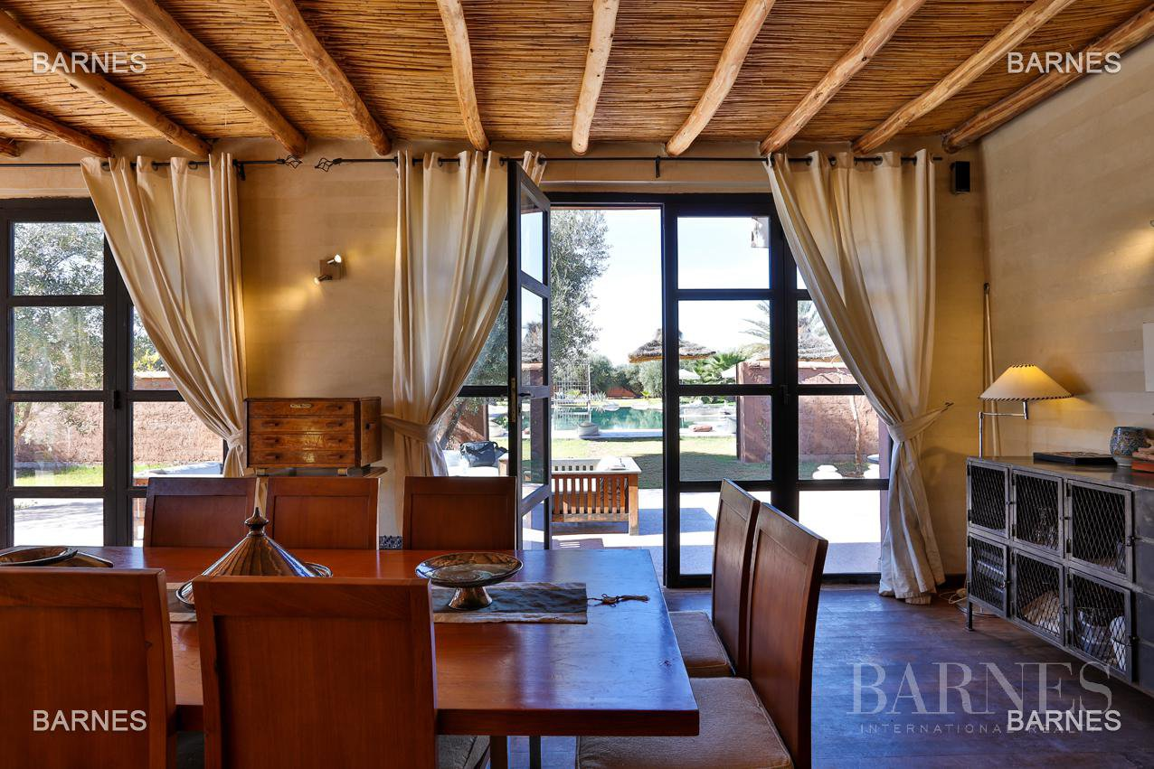 Luxurious contemporary villa located 15 minutes from downtown towards Fez picture 11