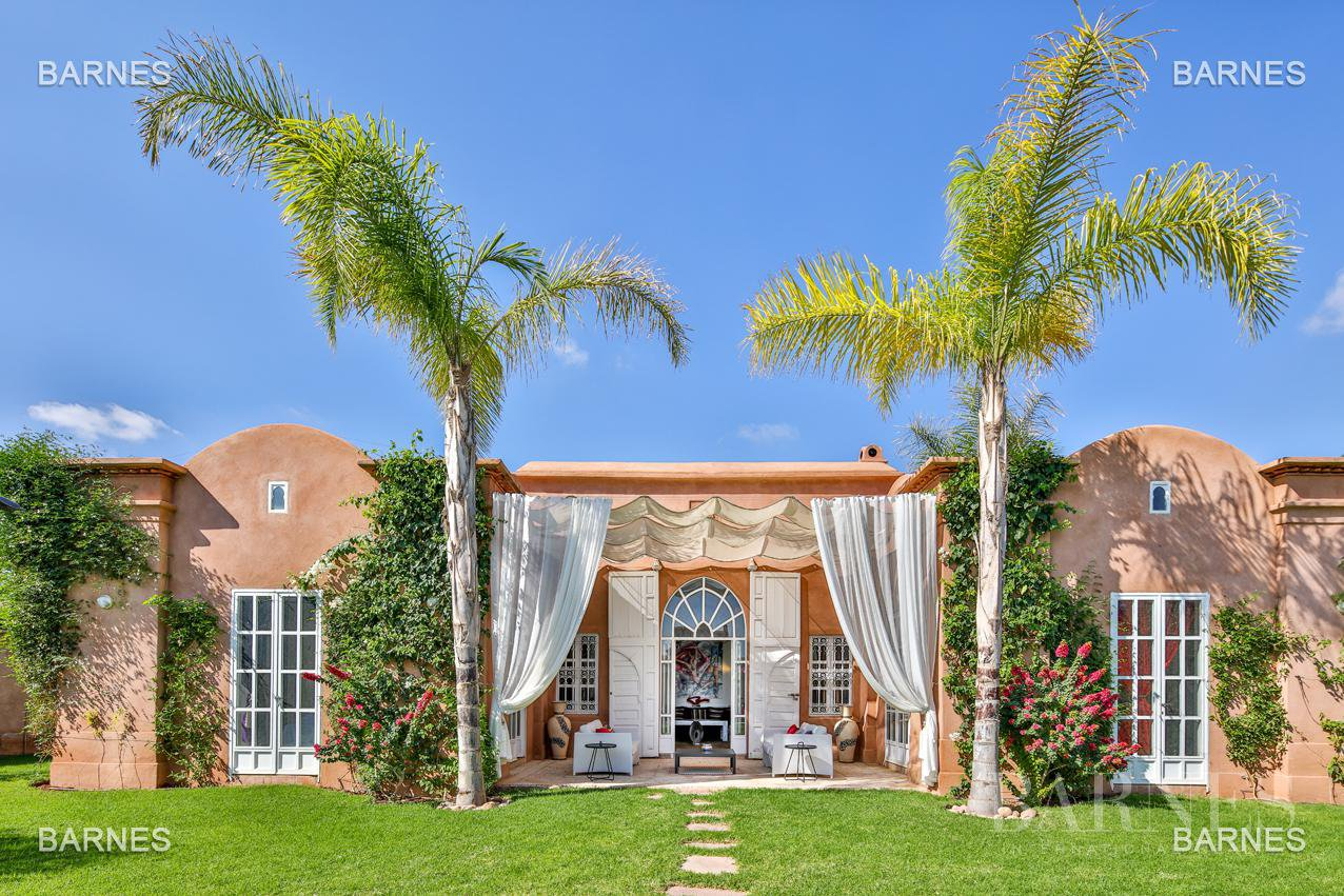 Superbe Villa meublée avec gout signée Charles Boccara dans une résidence sécurisée picture 5