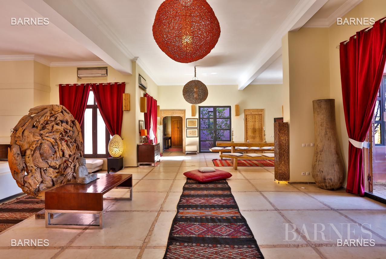 Luxurious contemporary villa located 15 minutes from downtown towards Fez picture 7