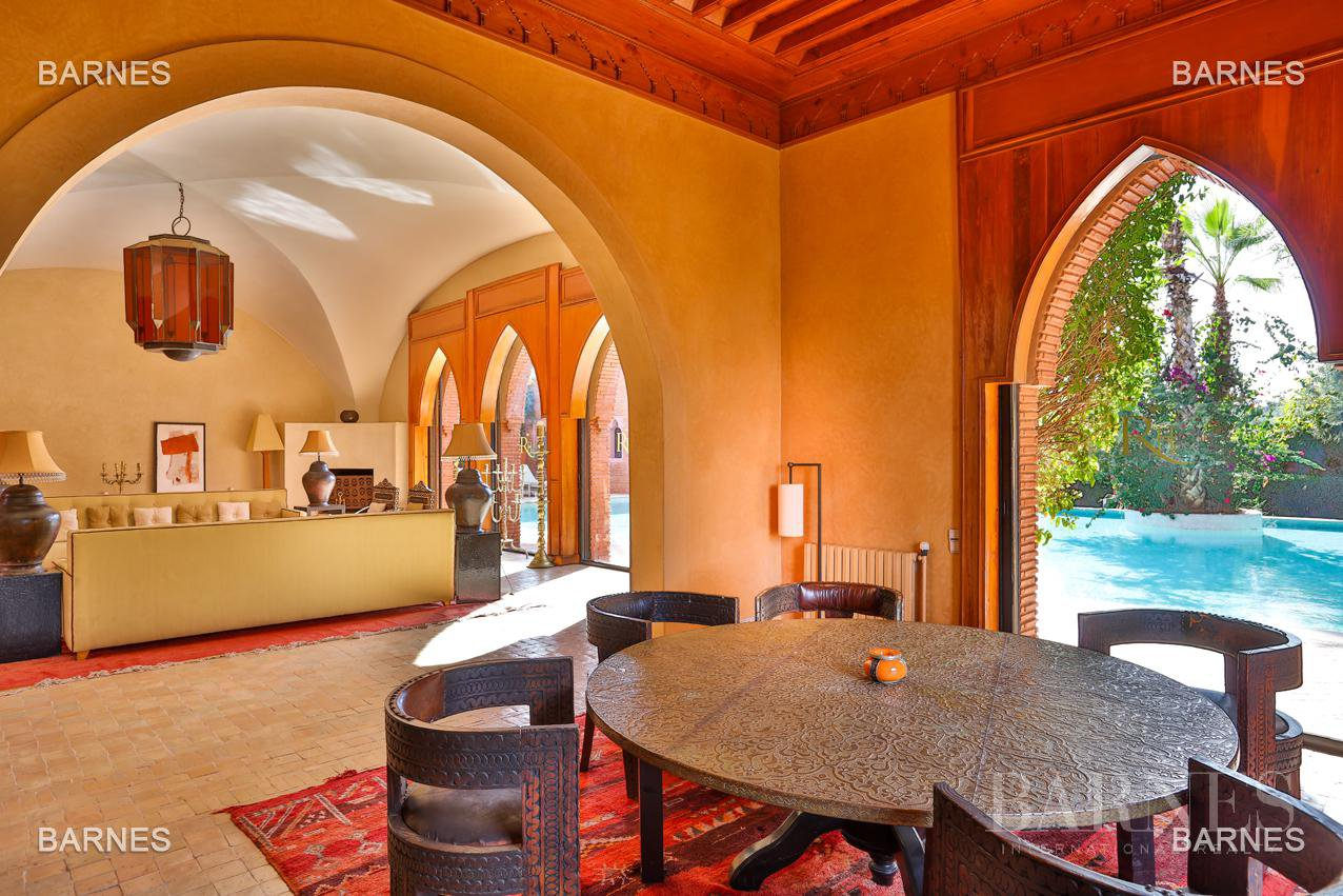 Magnificent villa with 2 swimming pools in the front line of the Golf Amelkis - Marrakech . Property sober Moroccan style and clean about 650 m², 4 suites ... picture 12