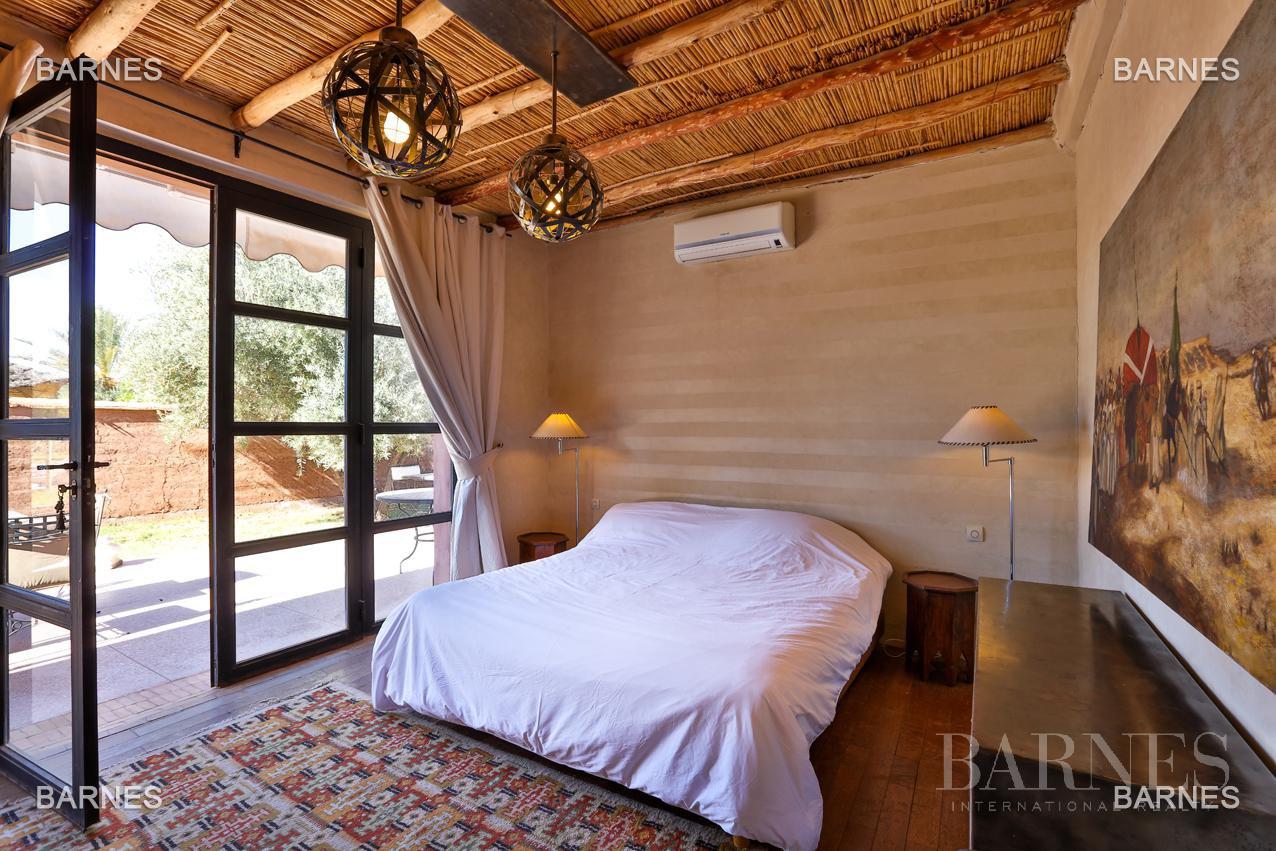 Luxueuse villa contemporaine situé à 15minutes du centre ville en direction de Fès. picture 12