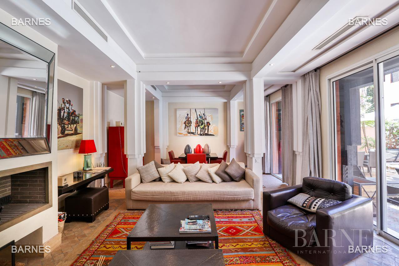 Located between Medina and new city , superb villa Ryad like in a 5 Star . picture 11