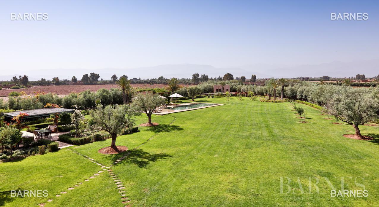 Moroccan architecture Villa in a private domain of 6 villas picture 1