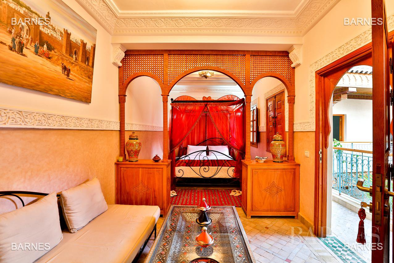 Riad , 6 suites, 6 baths, living room, fireplace , dining room , large pool , jacuzzi , patio, terrace, elevator. picture 2