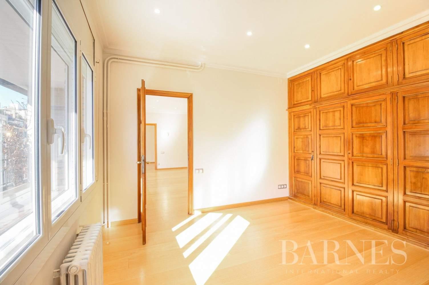 Barcelona  - Appartement 6 Pièces 6 Chambres - picture 16