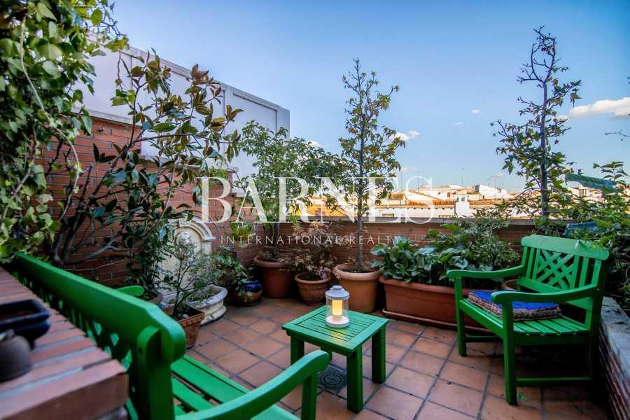 Madrid  - Ático 2 Cuartos, 1 Habitacion