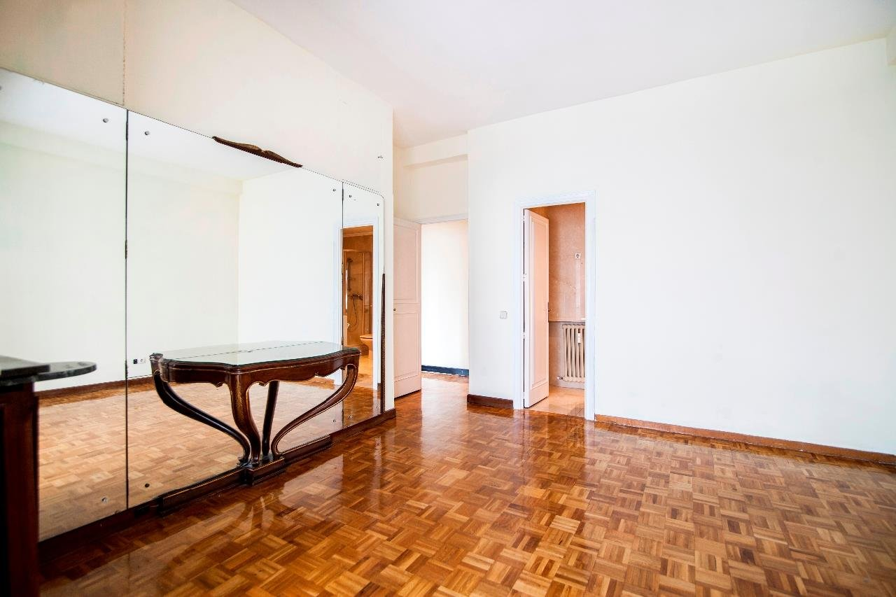 Madrid  - Apartment 4 Bedrooms - picture 11