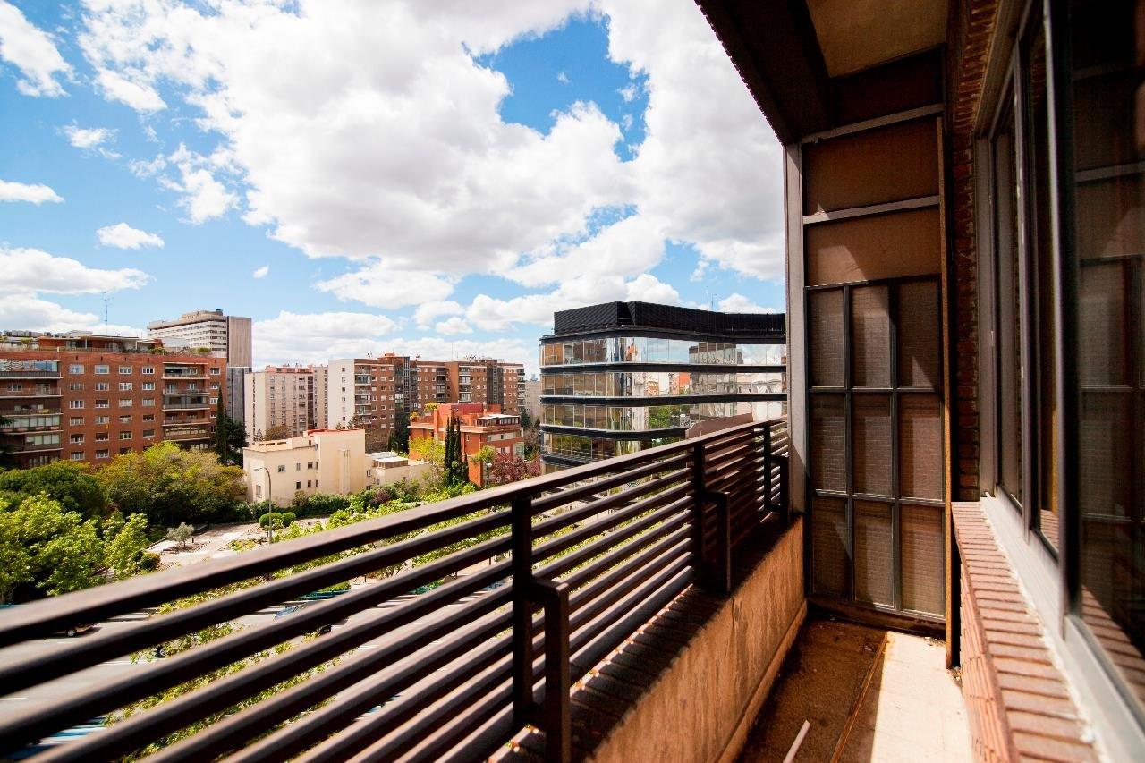 Madrid  - Piso 6 Cuartos 4 Habitaciones - picture 1