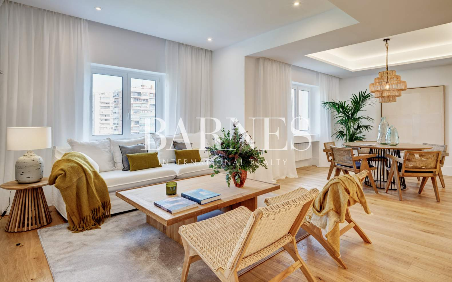 Madrid  - Apartment 4 Bedrooms - picture 1