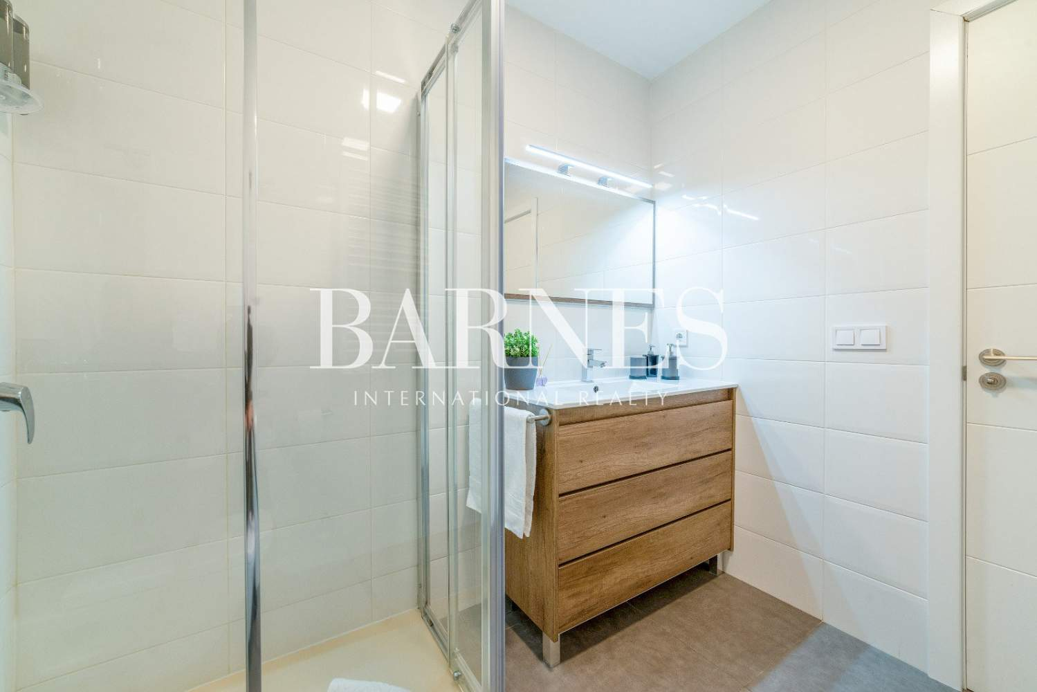 Madrid  - Apartment 4 Bedrooms - picture 14