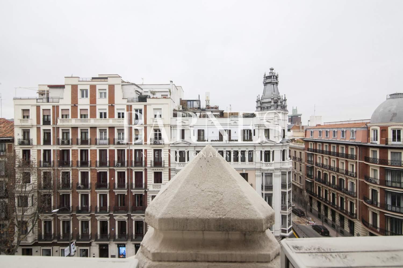 Madrid  - Piso 7 Cuartos 6 Habitaciones - picture 1