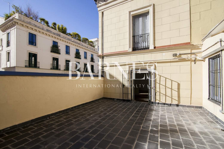 Madrid  - Piso 6 Cuartos 6 Habitaciones - picture 2