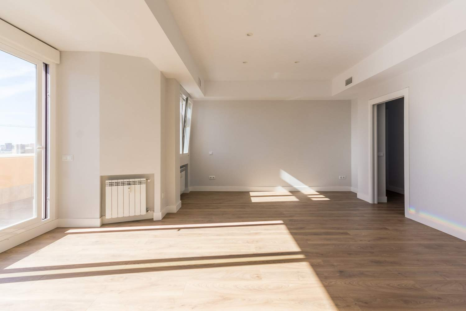 Madrid  - Penthouse 3 Bedrooms - picture 2