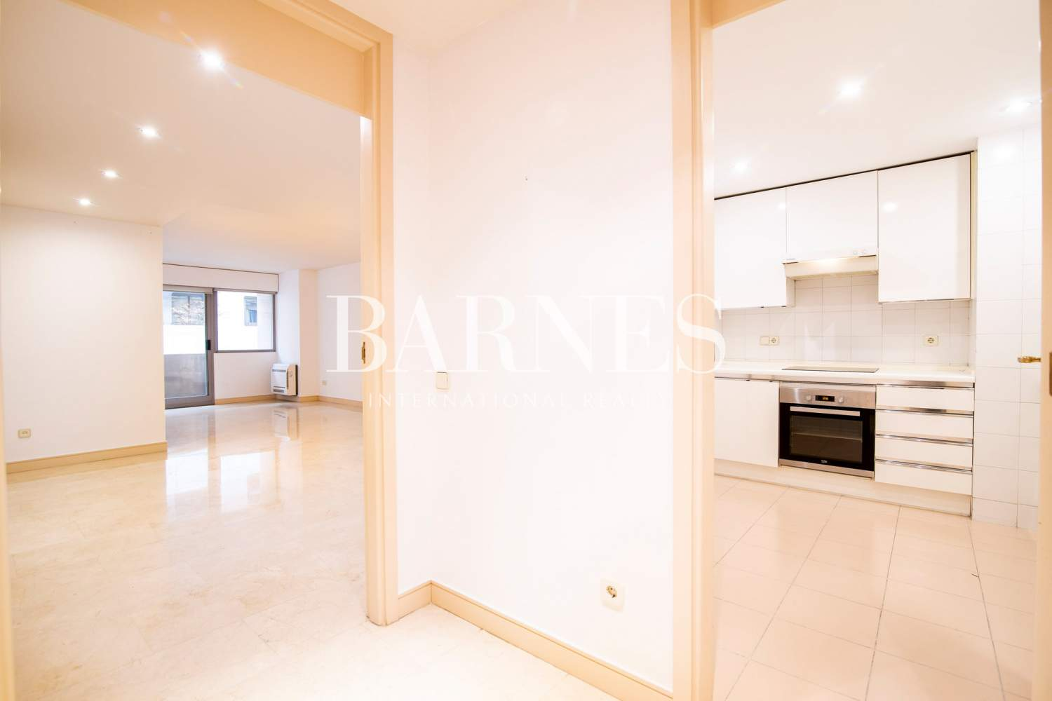 Madrid  - Apartment 2 Bedrooms - picture 1