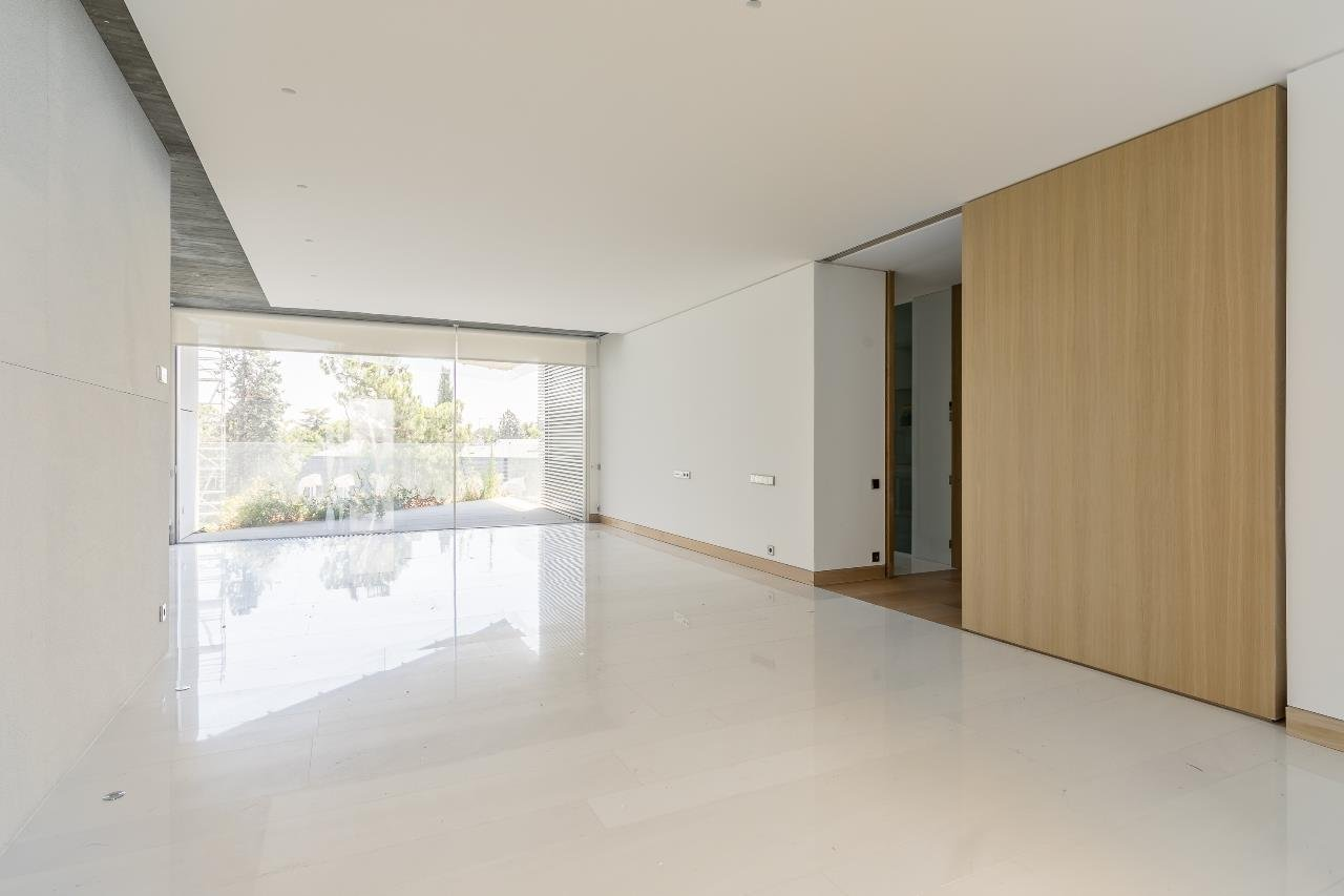 Madrid  - Apartment 4 Bedrooms - picture 8