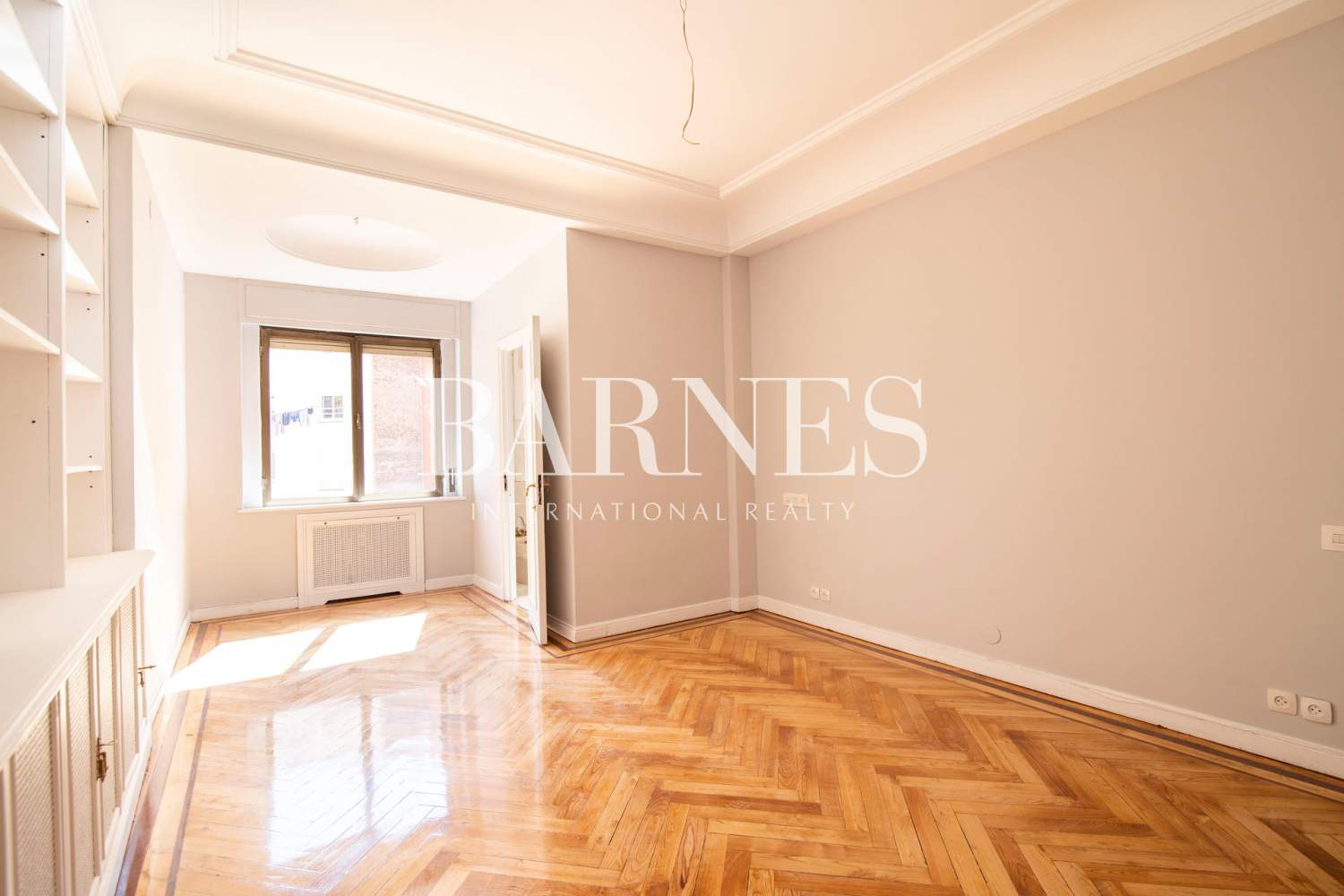 Madrid  - Apartment 5 Bedrooms - picture 8
