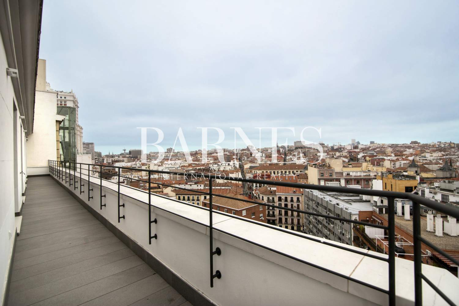Madrid  - Penthouse 3 Bedrooms - picture 3
