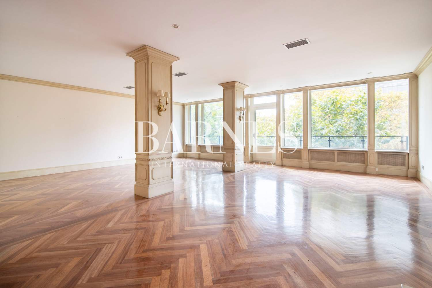 Madrid  - Apartment 4 Bedrooms - picture 3