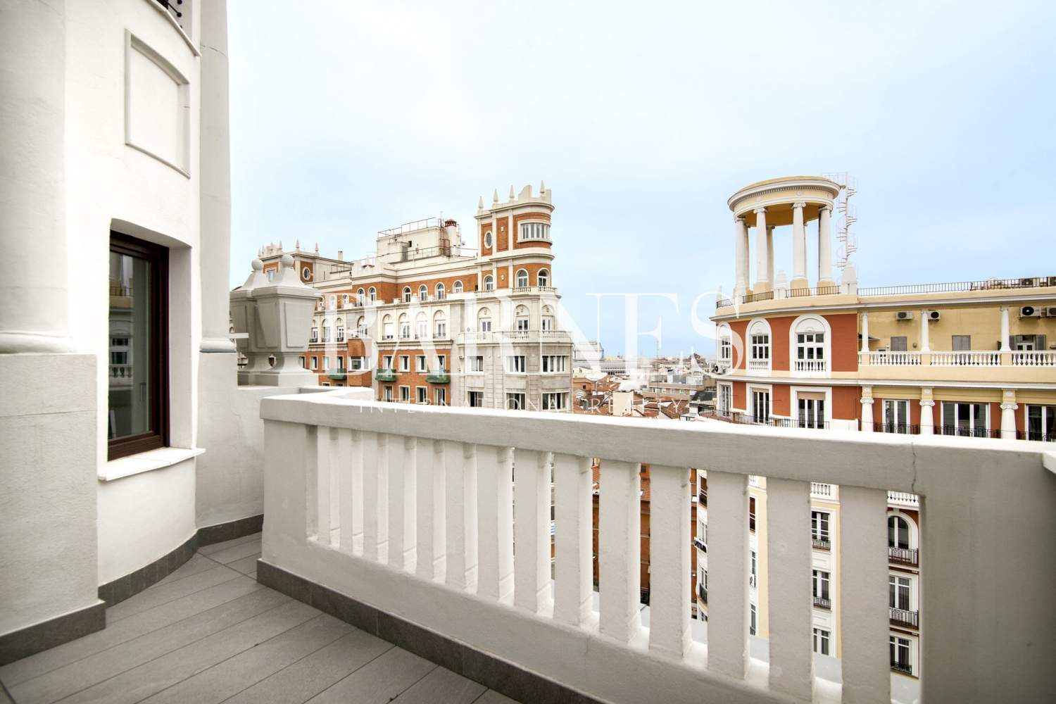 Madrid  - Penthouse 3 Bedrooms - picture 4