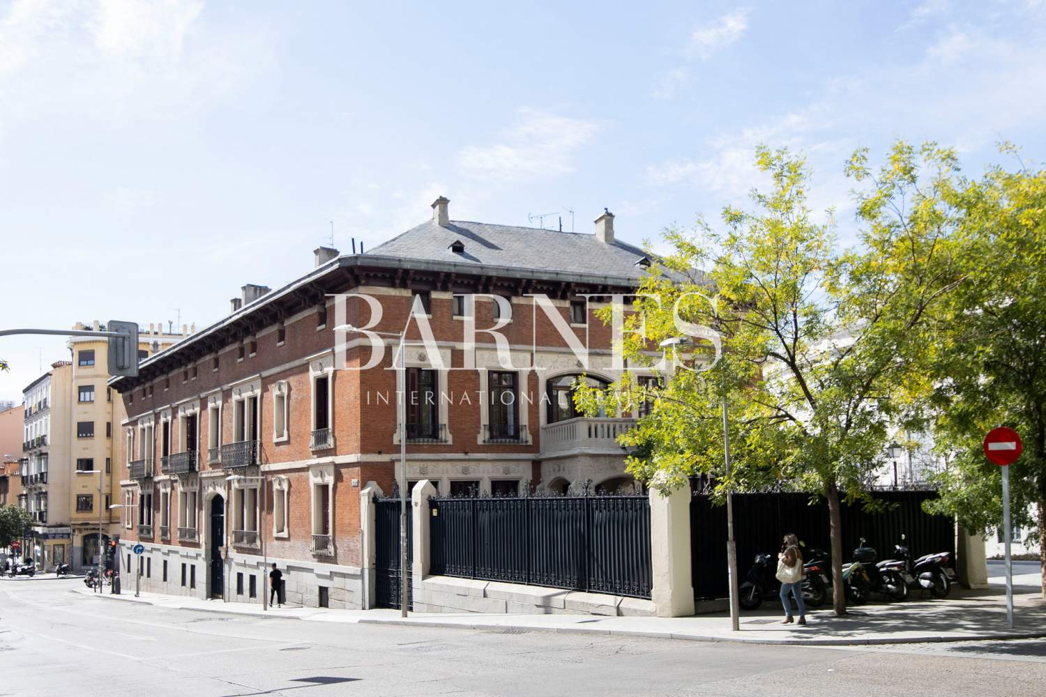 Madrid  - Penthouse 3 Bedrooms - picture 12