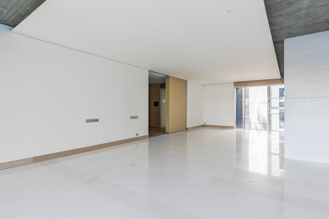 Madrid  - Apartment 4 Bedrooms - picture 4