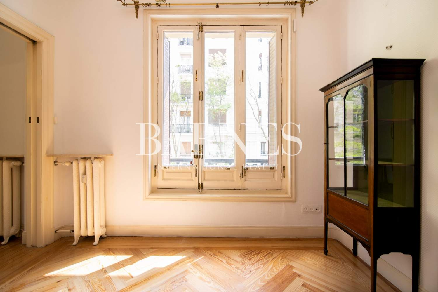 Madrid  - Apartment 4 Bedrooms - picture 6