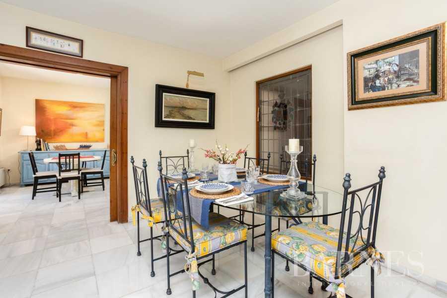Marbella  - Villa 8 Cuartos 7 Habitaciones