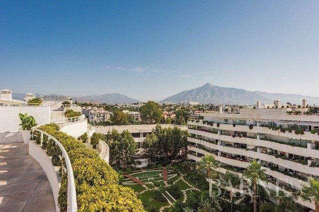 Nueva Andalucia  - Ático 14 Cuartos 4 Habitaciones
