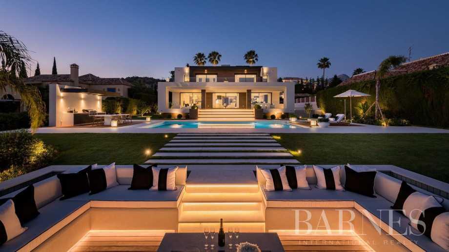 Nueva Andalucia  - Villa 7 Bedrooms