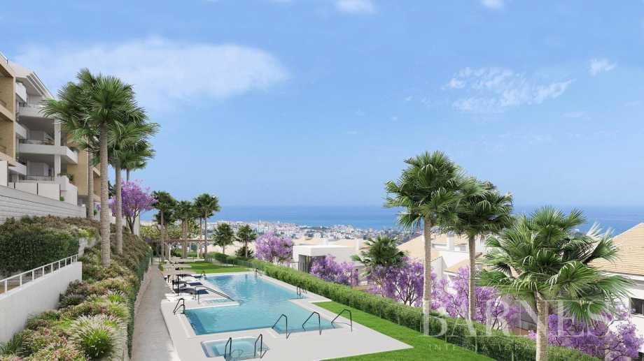 Un oasis de serenidad en el corazón de la Costa del Sol. Apartamentos contemporáneos de 2, 3 y 4 dormitorios. Benalmádena