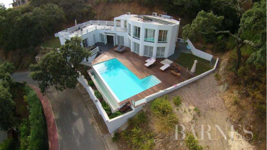 Villa Elviria Hills