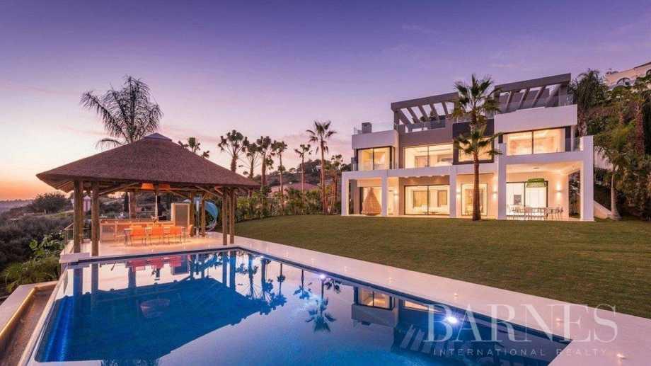 Estepona  - Villa 15 Cuartos 5 Habitaciones