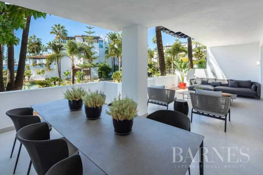 Marbella  - Piso 12 Cuartos 3 Habitaciones