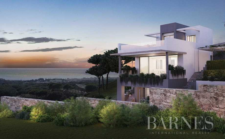 25 houses with a view to the Mediterranean Marbella