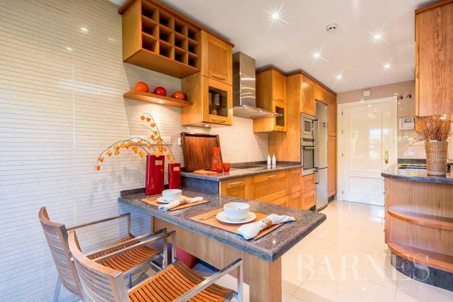 Marbella  - Appartement 14 Pièces 2 Chambres