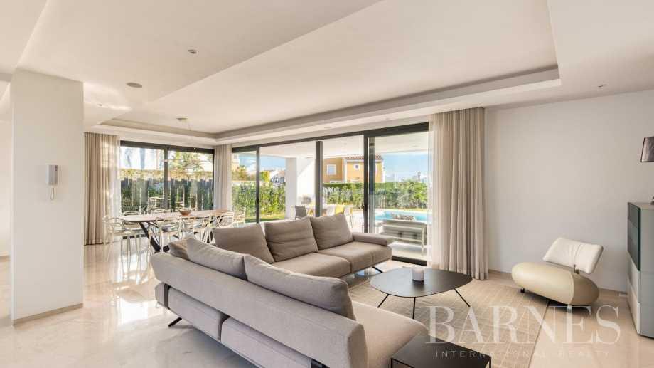 Estepona  - Villa  5 Habitaciones