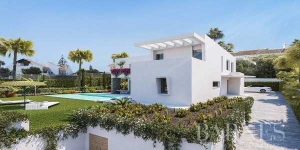 New Project of 3 Modern villas in Atalaya - Estepona Estepona  -  ref 4103242 (picture 1)