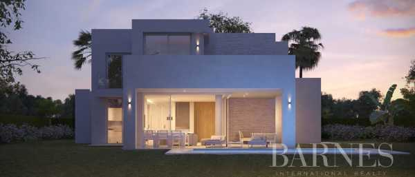 High End Villas Marbella  -  ref 4048057 (picture 2)