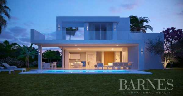 High End Villas Marbella  -  ref 4048057 (picture 3)