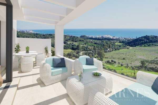 2 and 3 bedroom apartments on the golf course Estepona  -  ref 3723384 (picture 3)