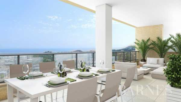 An oasis of serenity in the heart of the Costa del Sol 2, 3 & 4 bedroom contemporary apartments Benalmádena  -  ref 4353581 (picture 2)