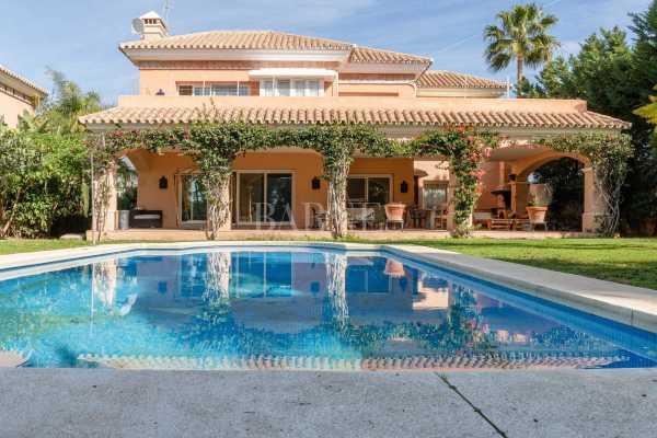 Villa Nueva Andalucia  -  ref 3604343 (picture 3)