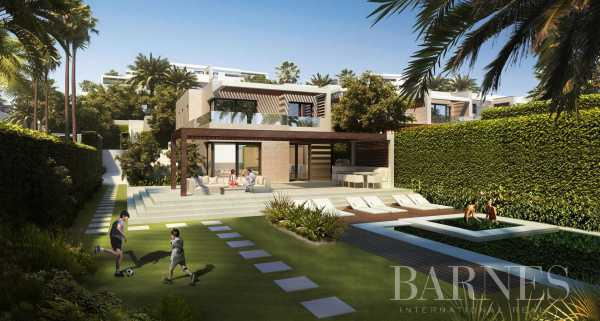 Beachfront villas in Estepona Estepona  -  ref 4290214 (picture 1)