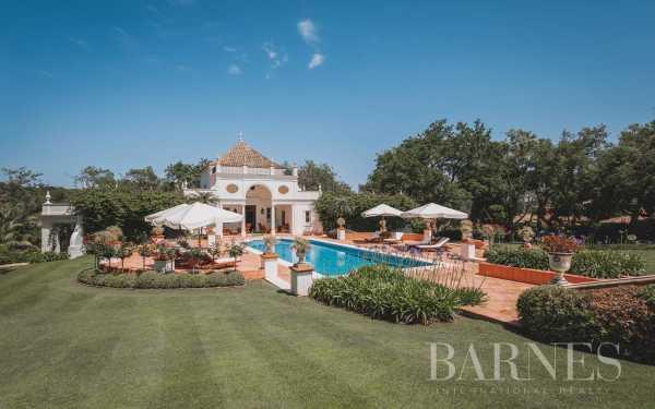 Villa Sotogrande  -  ref 5849207 (picture 2)